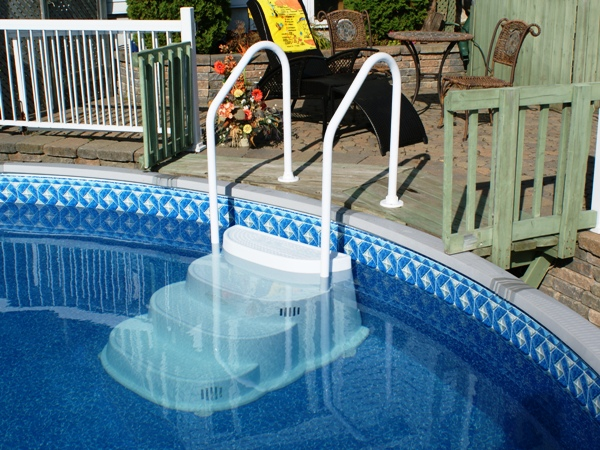 2 handrail pool steps